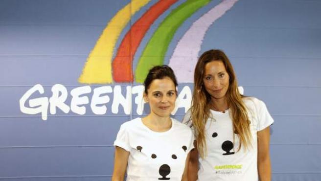 """Elena Anaya y Gemma Mengual durante la presentación de la expedición """"Mujeres por el Ártico"""" organizada por Greenpeace, de la que van a formar parte."""