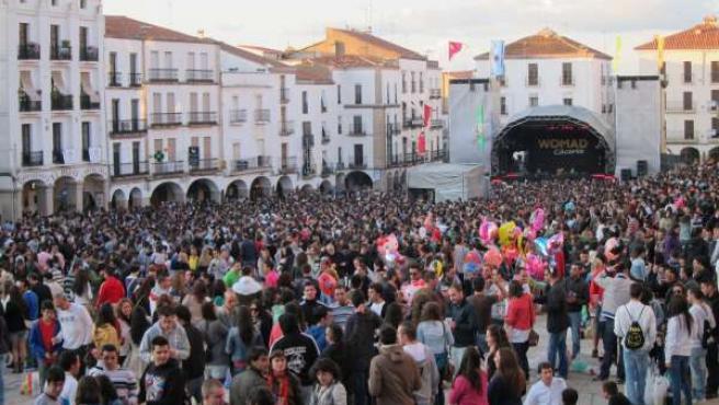 Concierto del festival Womad en la Plaza Mayor de Cáceres