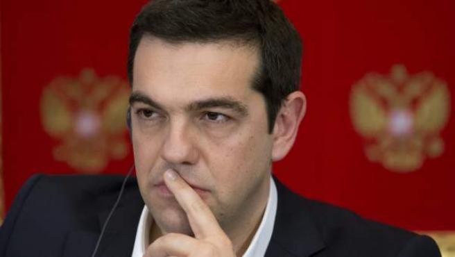 El primer ministro griego, Alexis Tsipras, durante la firma de un Plan de Acción conjunto para 2015-2016 en el Kremlin de Moscú.