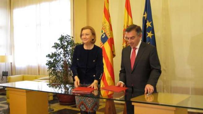Rudi y Beamonte en la firma del convenio este lunes