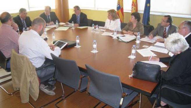 Reunión de los sindicatos sanitarios con el Gobierno de Aragón.