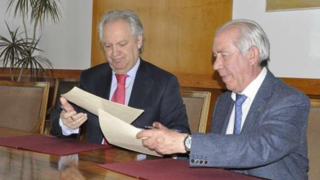 Firma del convenio del Gobierno de Aragón con Bantierra y Caja Rural de Teruel.