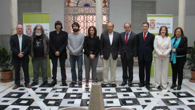 Sebastián Pérez con los galardonados con el Premio Andalucía de la Crítica