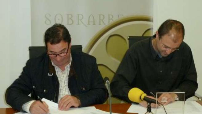 Firma del convenio para la promoción turística del Sobrarbe