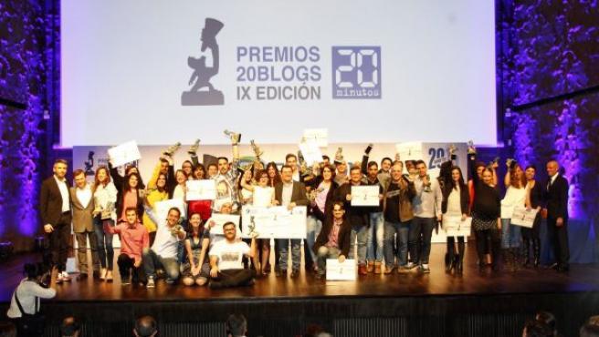 Foto de familia de la IX edición de los Premios 20Blogs.