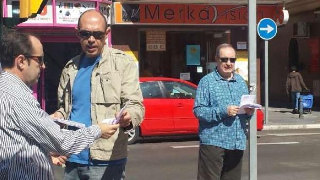Zorrilla entrega material electoral Málaga para la Gente 24M