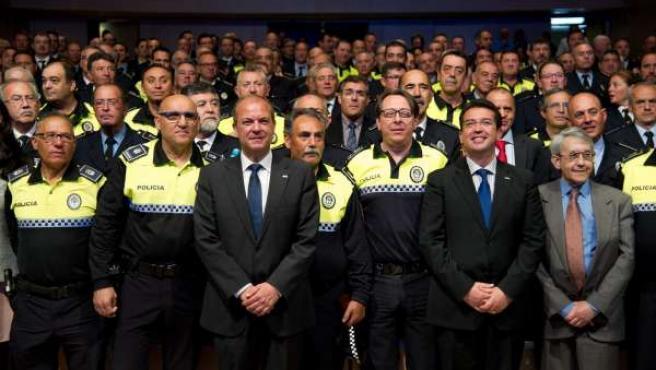 Monago en la entrega de medallas a policías locales