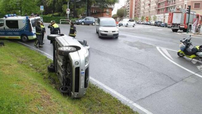 Herido un hombre al ser atropellado por un turismo en Pamplona.