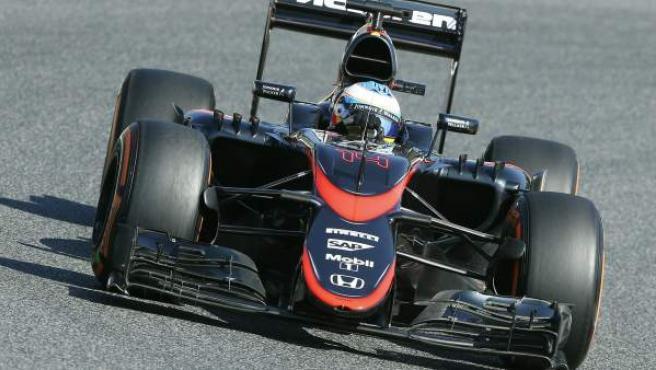 Fernando Alonso durante los entrenamientos libres del Gran Premio de España.