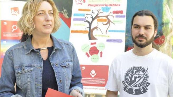 Los candidatos de IU a las Cortes Patricia Luquin y Jorge Sanz.