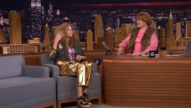 Vídeo del día: Charlize Theron cambia de 'look' con Jimmy Fallon