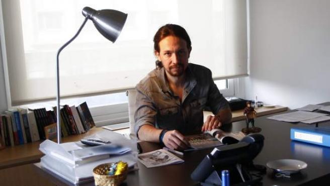 Pablo Iglesias, en la sede de Podemos, durante la entrevista con 20minutos.