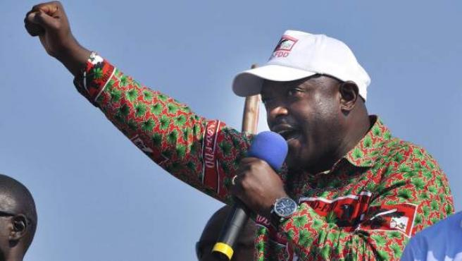 Fotografía de archivo fechada el 24 de junio de 2010 que muestra al presidente de Burundi, Pierre Nkurunziza.