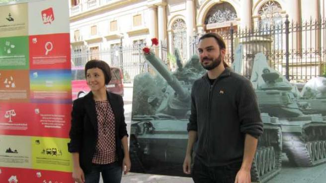Beatriz Izuel y Jorge Sanz, candidatos de IU a las Cortes de Aragón