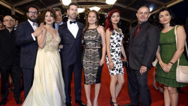 El equipo de la película 'Las elegidas' a su llegada al estreno de la película en el Festival de Cannes.