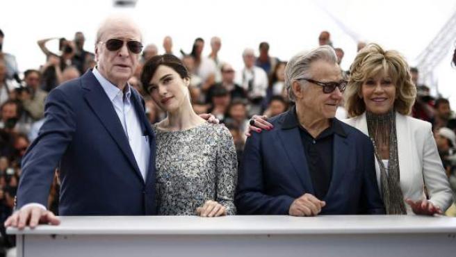 Los actores Michael Cane, Rachel Weistz, Jane Fonda y Harvey Keitel en la presentación de 'Youth' en la 68 edición de Cannes.