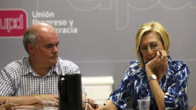 La líder de UPyD, Rosa Díez, junto al diputado nacional, Carlos Martínez Gorriarán.