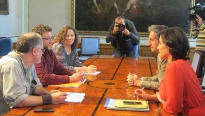 Iñigo de la Serna se reúne con el candidato de Ganemos Santander