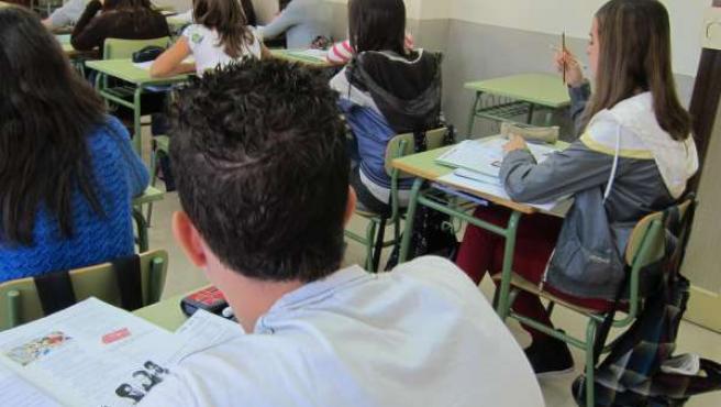 Estudiantes En Aulas