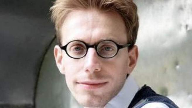 David Tammet, el matemático con autismo capaz de recitar 22.514 decimales del número pi y a hablar 11 idiomas.