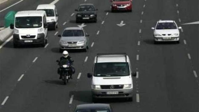 Vehículos en un tramo de control de velocidad por tramos.