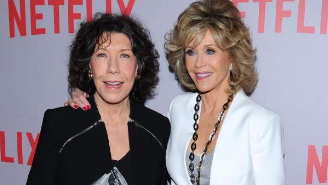 Las actrices Jane Fonda y Lily Tomlin en la presentación de la nueva comedia de Netflix, 'Grace and Frankie'.