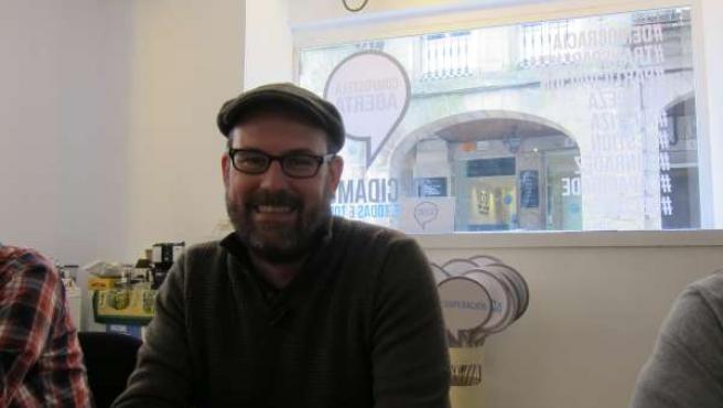 Martiño Noriega, candidato de Compostela Aberta, en café de redacción