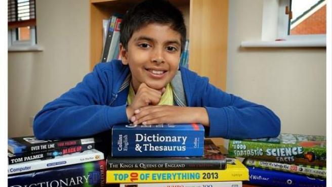 Aahil Jouher es un niño de Blackburn, Reino Unido, que ha batido un récord de calificación en un test de inteligencia.
