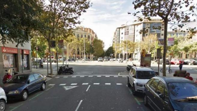 Imagen de la confluencia de las calle Rocafort y la avenida Roma, en el distrito del Eixample (Barcelona).