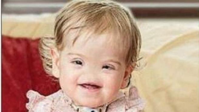 Portada del 23 de junio de 2014 del periódico 'The Telegraph', que lleva una imagen de Tessa Evans, la niña de dos años que nació sin nariz.