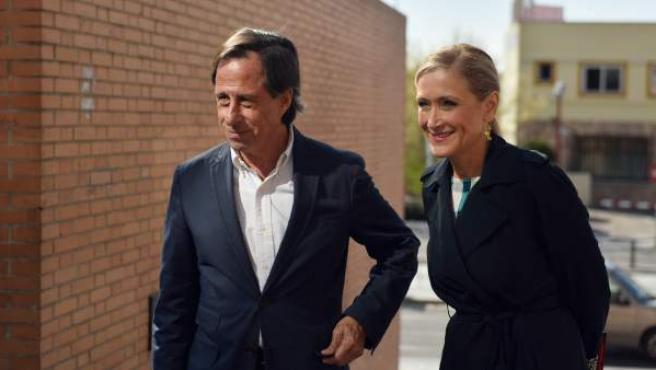 Ignacio García de Vinuesa, alcalde en funciones de Alcobendas, con Cristina Cifuentes