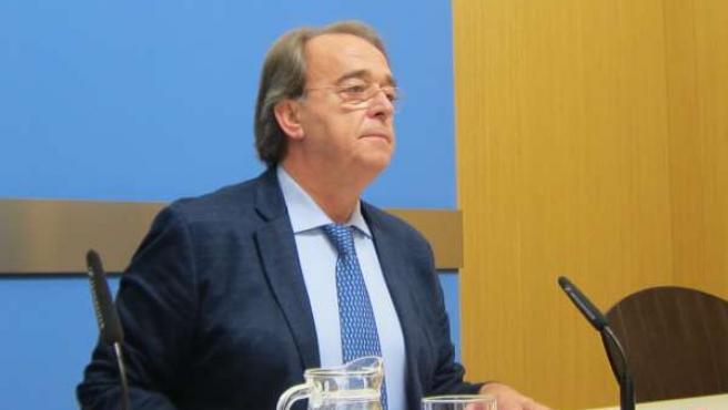 El candidato del PSOE, Carlos Pérez Anadón
