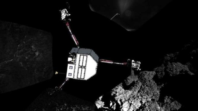 Imagen de la sonda Philae acercándose al cometa para aterrizar.