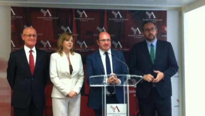 Pedro Antonio Sánchez (PP) acompañado de Coronado, Tomás y Martínez