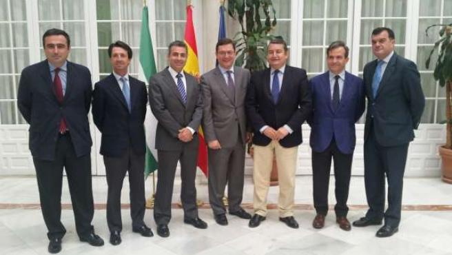 Antonio Sanz se reúne con miembros de Cesur.
