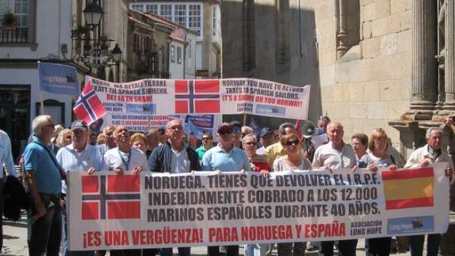 Marineros gallegos reclaman a Noruega sus pensiones