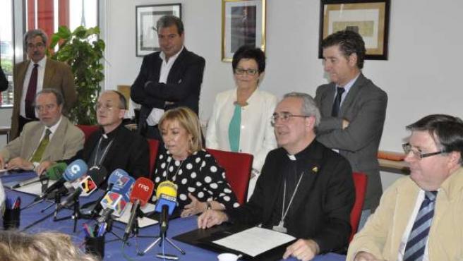 Gobierno, obispos y alcaldes han pedido a Lérida la devolución de los bienes.
