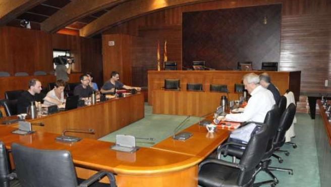 Negociación entre PSOE y Podemos en Aragón