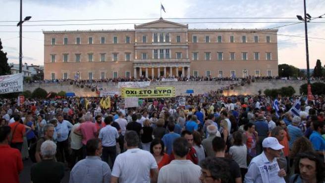 Aspecto que presentaba la plaza Syntagma, frente al parlamento griego, en plena crisis de la economía griega.