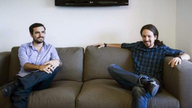 Alberto Garzón y Pablo Iglesias, tras una reunión para contrastar sus visiones de la unidad popular.