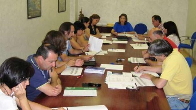 Cobo preside la reunión de la Comisión Provincial de Riesgos Laborales.
