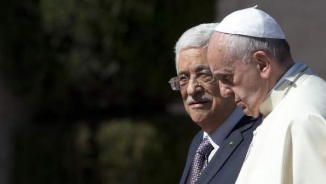 El papa Francisco y Mahmud Abas, durante un encuentro en Belén en mayo de 2014.