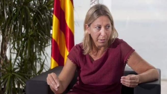 Neus Munté, ostentando el cargo de consellera de Bienestar Social y Familia de la Generalitat de Cataluña.