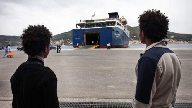 Cada mes, miles de eritreos huyen del país.