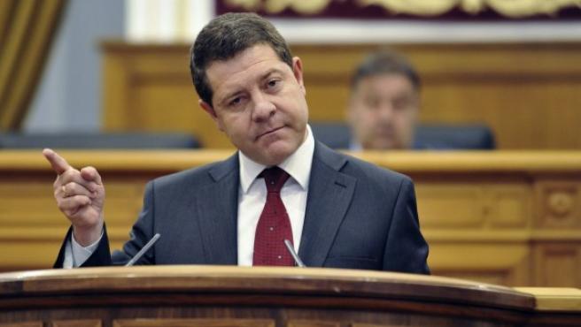 El socialista Emiliano García-Page, durante su intervención en la segunda y última sesión del debate de su investidura como presidente de Castilla-La Mancha.