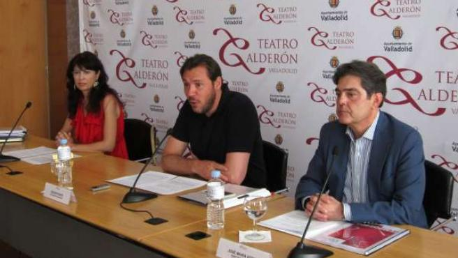 Ana Redondo, Óscar Puente y José María Viteri en el Teatro Calderón