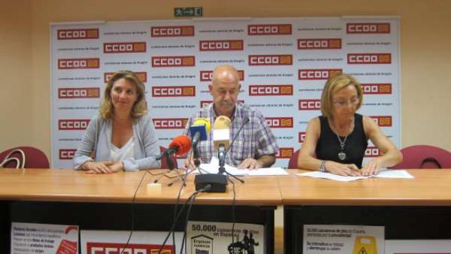 Ruda acompañado por responsables de Federación de Serviicios de CCOO en Aragón.