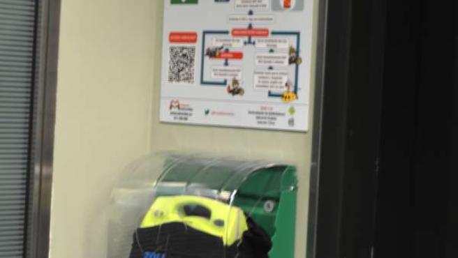 Desfibrilador instalado en la sede de Bantierra en Zaragoza