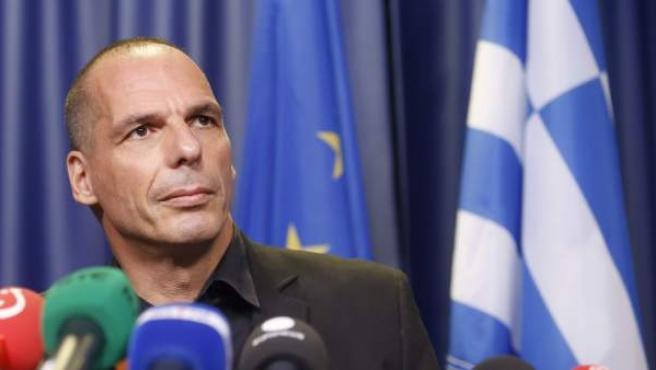 El ministro de Finanzas griego, Yanis Varufakis, durante una rueda de prensa tras la reunión con los ministros del Eurogrupo en Bruselas.