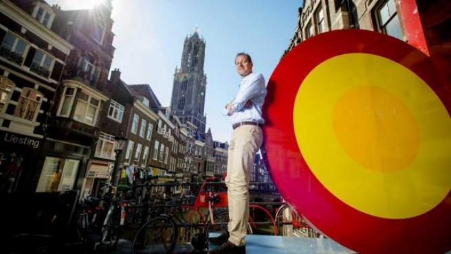 El director general del Tour de Francia, Christian Prudhomme, posa en el centro de Utrecht, punto de salida de la 102ª edición el próximo 4 de julio, en Holanda.